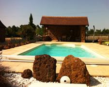 piscine-gite-la-grange-hebergement-Dordogne
